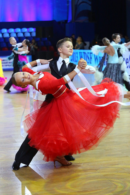 Платья для бальных танцев стандарт юниоры фото
