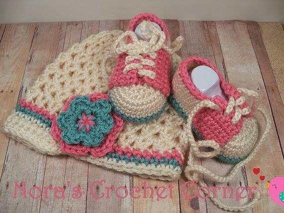 0738abbd4b824 Santa Clara Artesanato  Conjunto de Touca e sapatinho de bebê Gorros De  Crochê Para Bebês