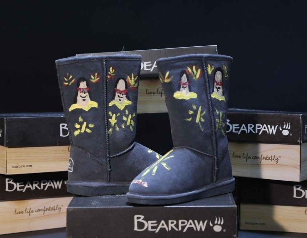 1c75d4e5947 bearpaw boots Emma in Charcoal size 9 - Art Benefit for Sac Loaves ...