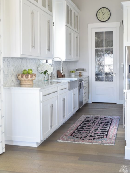 Top 8 Kitchen Rug Ideas That Will Never Go Out Of Style Kitchen Countertop Decor Herringbone Backsplash Kitchen Modern Farmhouse Kitchens