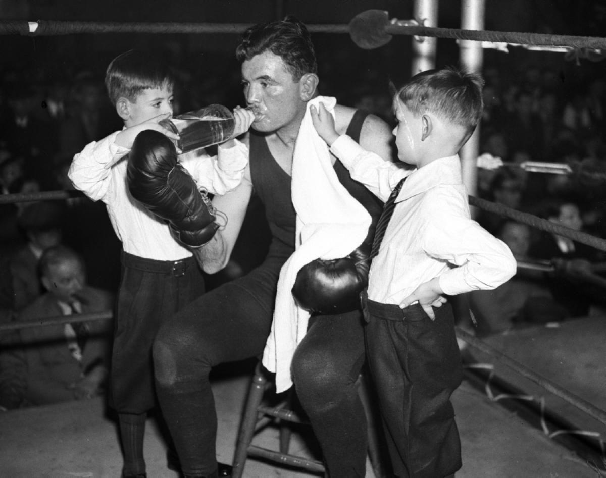 James 'Cinderella Man' Braddock with sons, 1937 - Photos ...