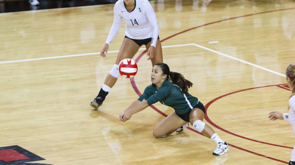 W Volleyball News 9 3 16 Win Over George Mason Dartmouthsports Com Official Web Site Of Dartmouth Varsity Ath Women Volleyball Volleyball News Volleyball