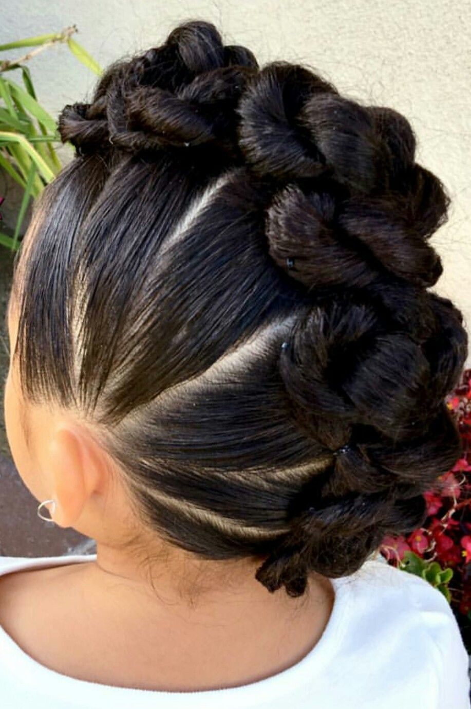 Mohawk Knot Updo Hairstyle Inspiration Idea Miristhings