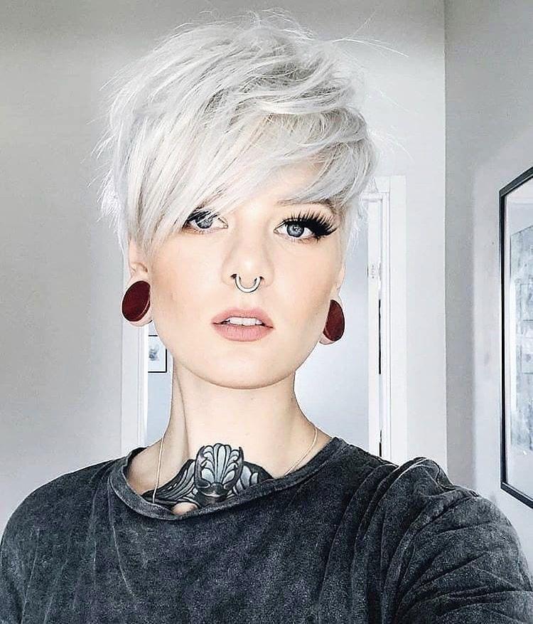5 Super New  Short Blonde Bobs Haircut Trends 2020