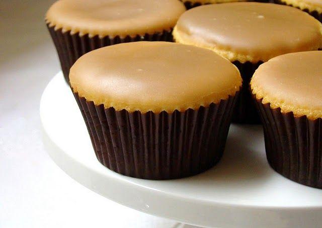 vanilla buttermilk cupcake with caramel icing