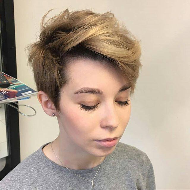 #pixiecuts From @anna_kovaleva_art | pixie | Pinterest | Tjejfrisyrer,Vackert hår ja Korta ...