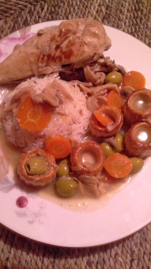 poulet aux olives,riz basmati et mini vol au vent
