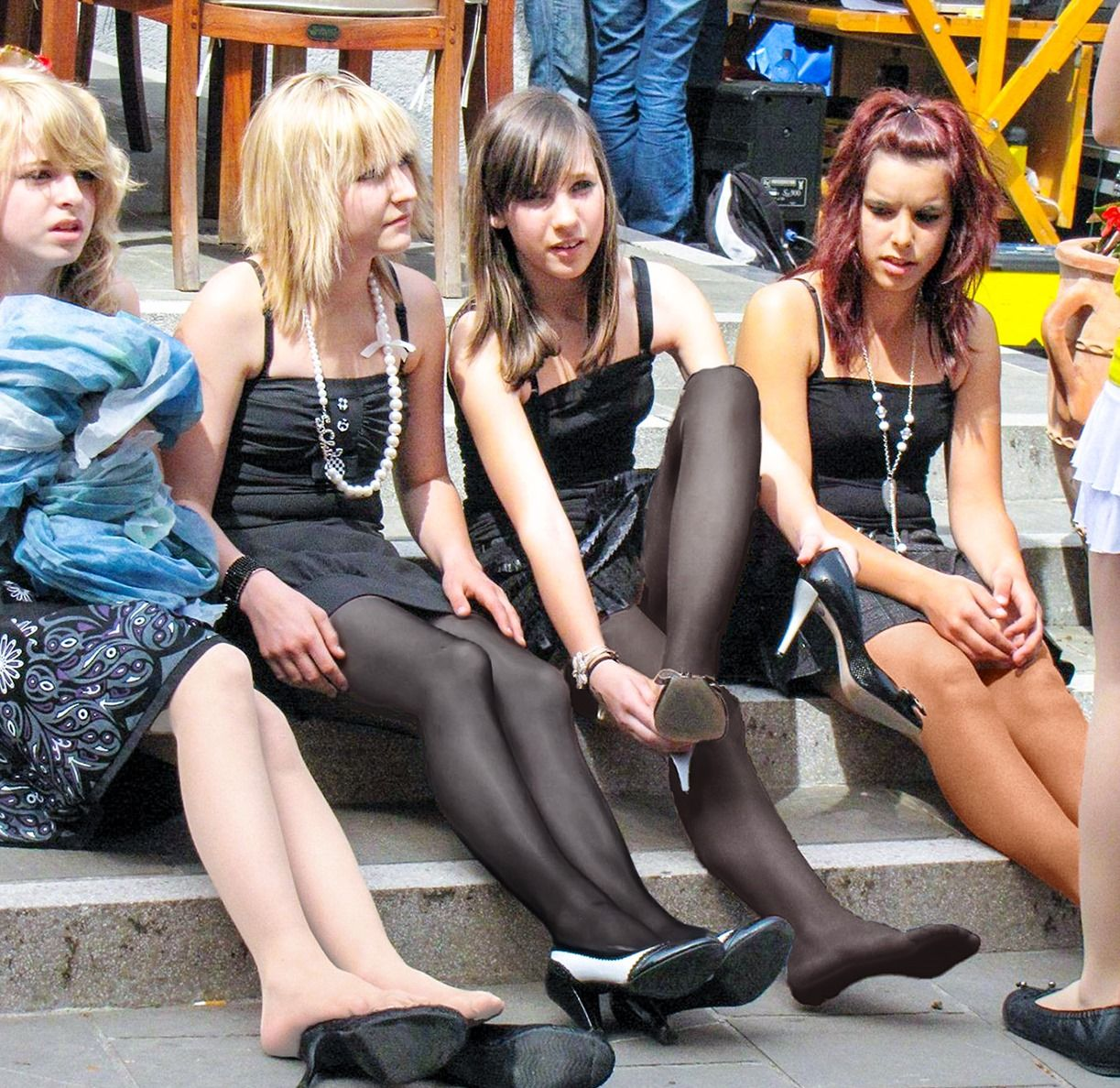 Pin on Groups in Pantyhose, Tights & Stockings & Tights