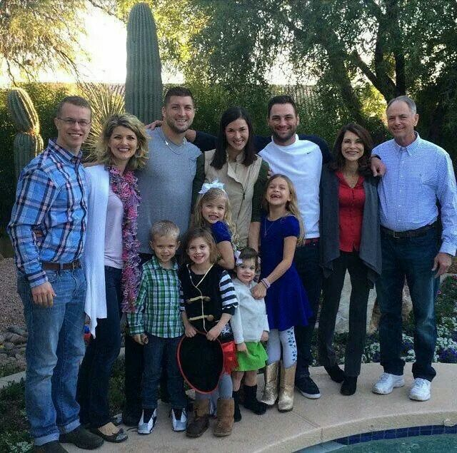 Partial Tebow Family Photo Tim Tebow Tim Tebow