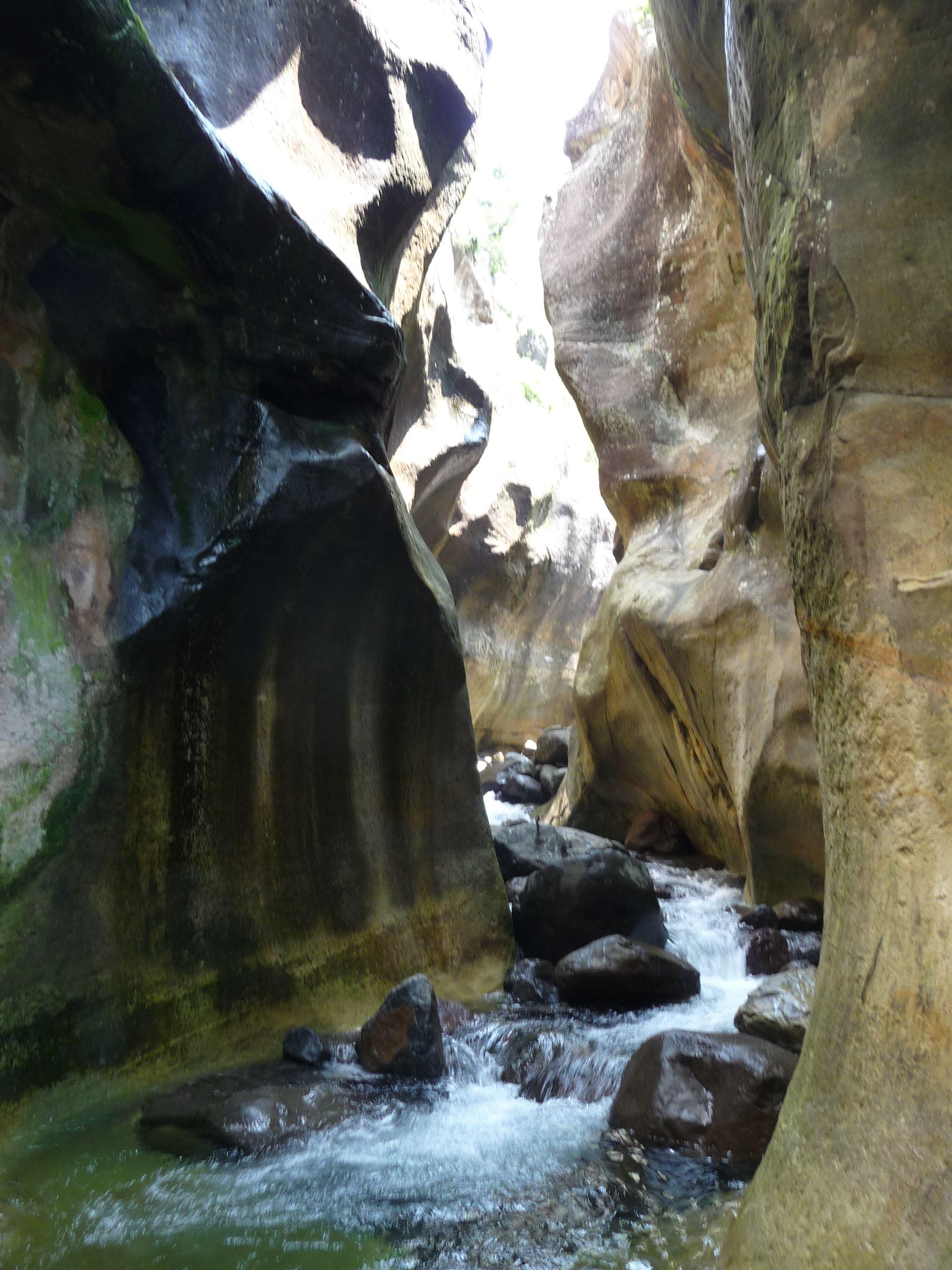 Tugela Gorge, Royal Natal. http://www.n3gateway.com/the-n3-gateway-route/ezemvelo-kzn-wildlife-royal-natal-national-park.htm