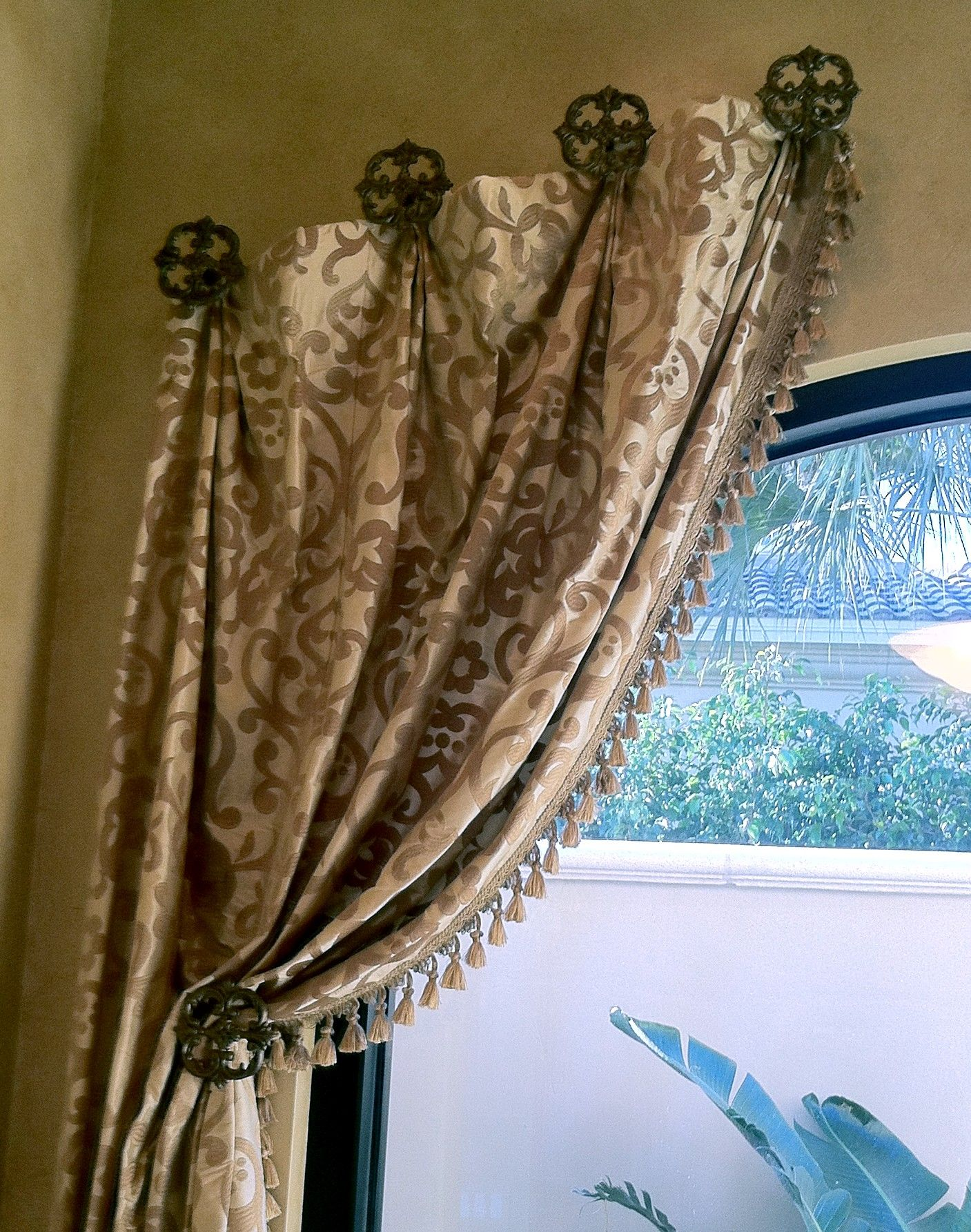 curtain medallions palmetto ideas best fashions hardware medallion drapery mount shades dry design shutters avarii home window org