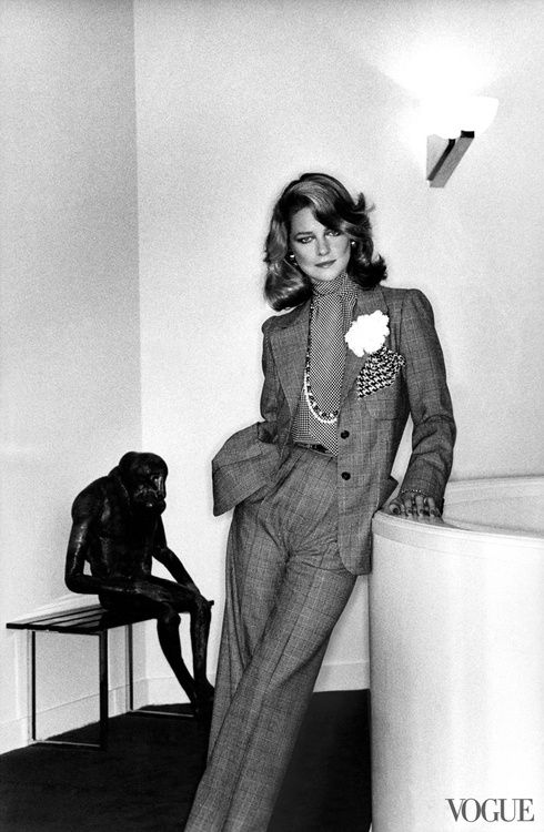 Charlotte Rampling by Helmut Newton for Vogue (01/1974)