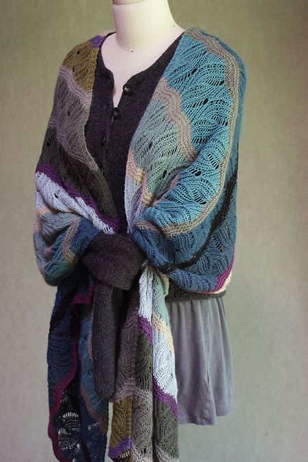 A lovely new Windfeather in primavera knitted by Julie McK.