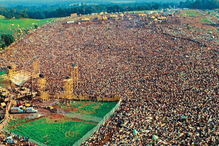 Woodstock In 1969 Was Attended By Over 400 000 People Woodstock