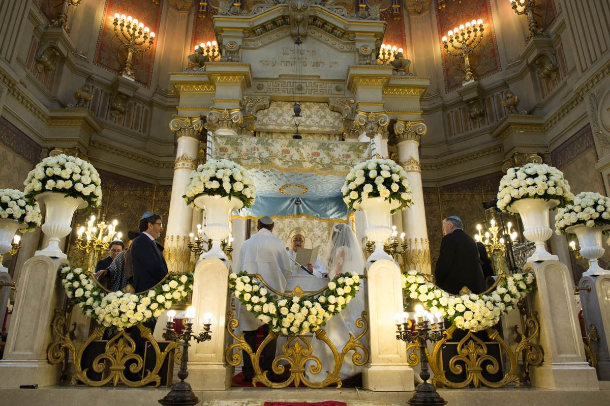 Synagogue Rome Le Reve Destination Wedding Planner Roma Destination Wedding Planner Ceremony Location Chuppah