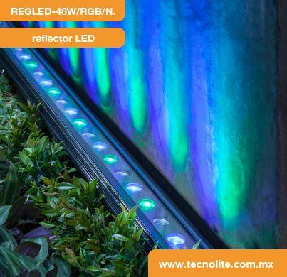 ayda a resaltar la textura de una pared exterior con el reflector led regled