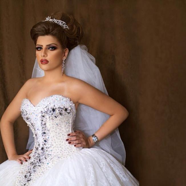 تصف حي بالصور أجمل مكياج عروس خليجي فخم Wedding Dress Store Elegant Wedding Dress 2015 Wedding Dresses