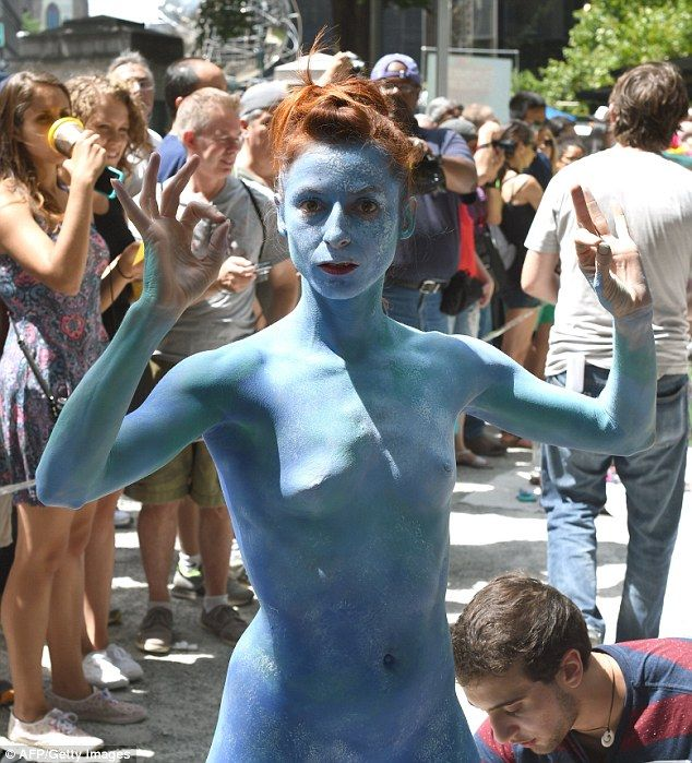 Nude Models And Artists Take To New York City Streets -1085