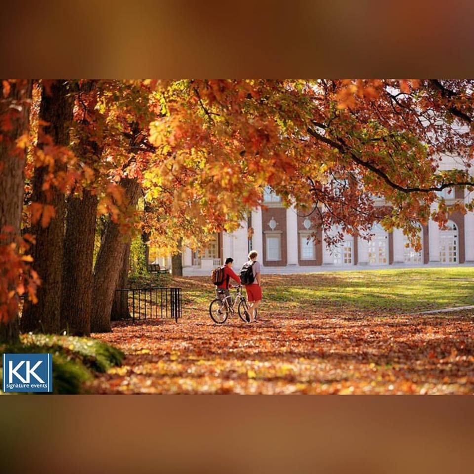 We can't wait to watch the leaves turn this fall! Take a stroll through the Vanderbilt University campus which boasts over 6000 trees and is a national arboretum! #fallfriday #fall #autumn #leaveschanging #signatureeventsnashville