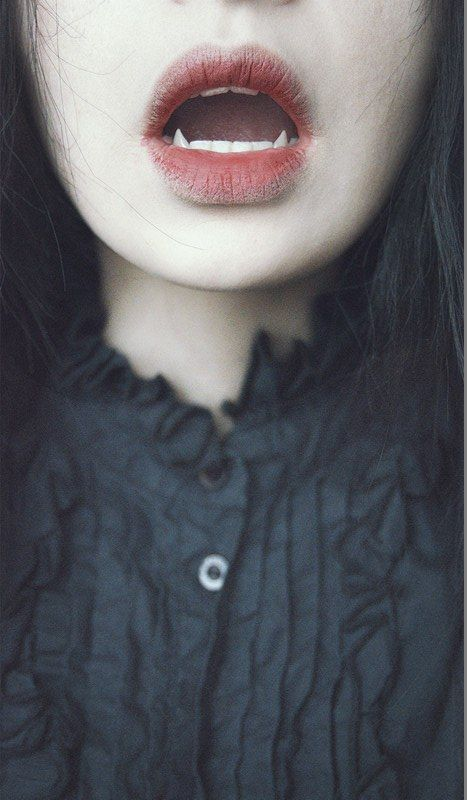 Pin de TK P en Halloween\u0027s the best! Pinterest - maquillaje de vampiro hombre