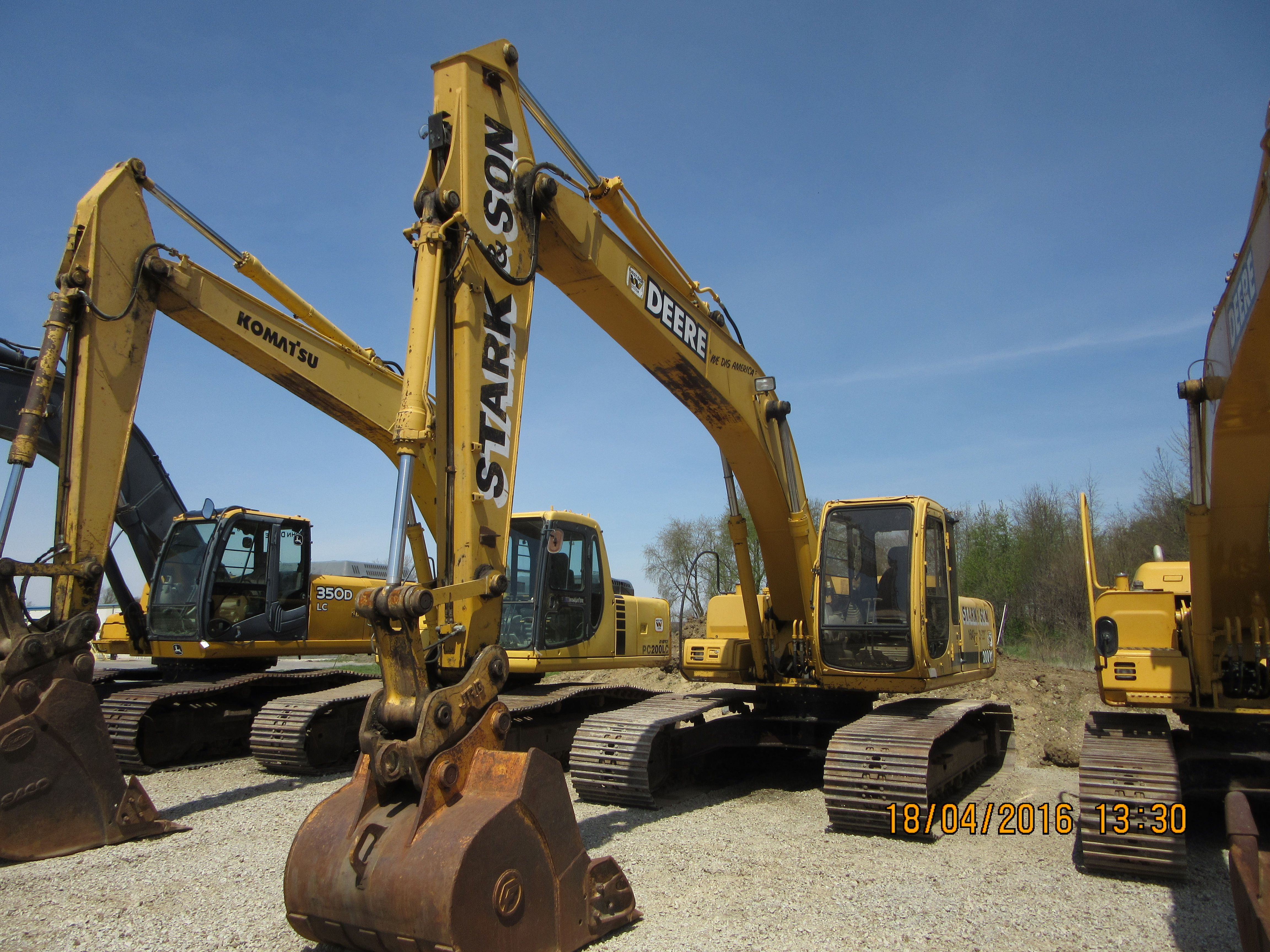 John Deere 200 LC.Replaced the 690E LC hydraulic excavator in 1997