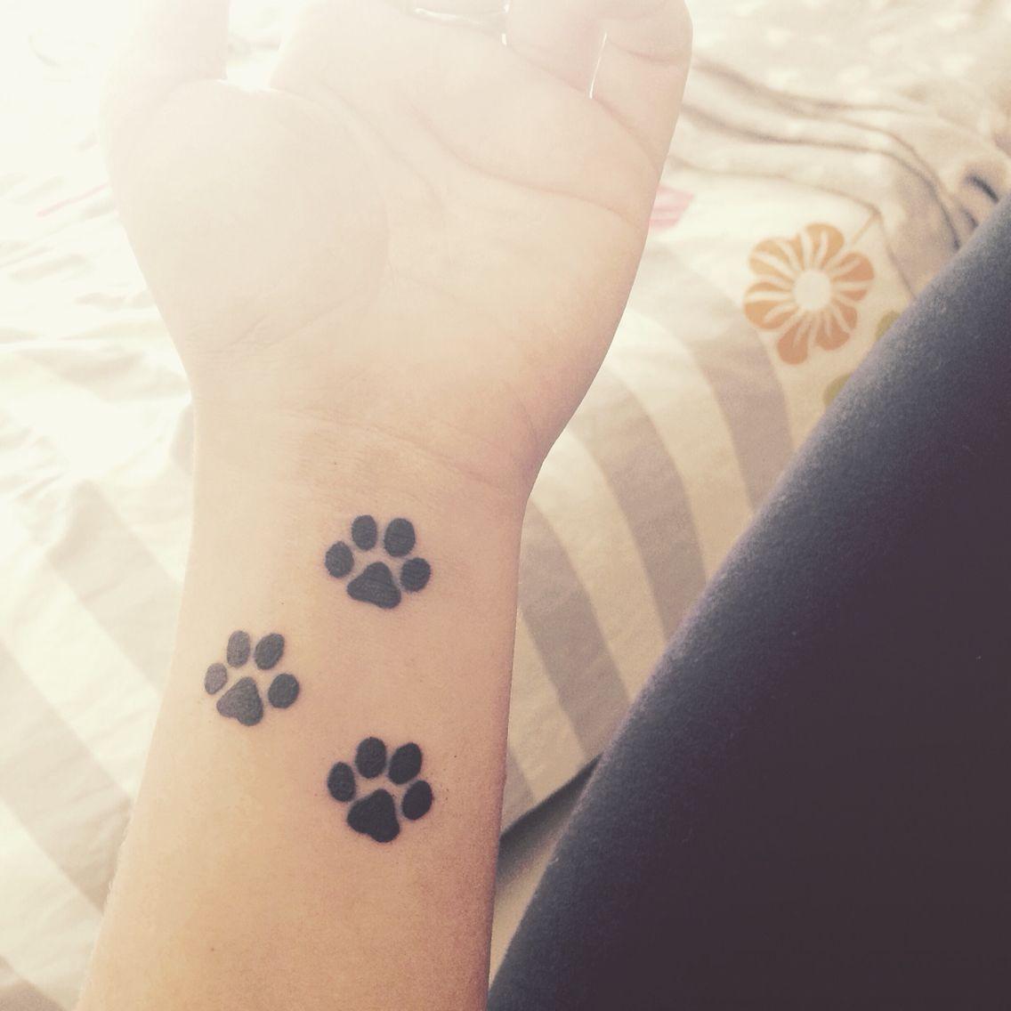 Tatouage Pattes De Chiens Tattoo S Tatouage Patte De