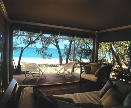 Perfect for the castaway who wonâu20ac™t compromise on comfort Wilson Island hotel boasts just six luxuriously outfitted tents (for exclusive hire only) on ... & Glamping on Wilson Island #Gladstone | Glamping | Pinterest ...