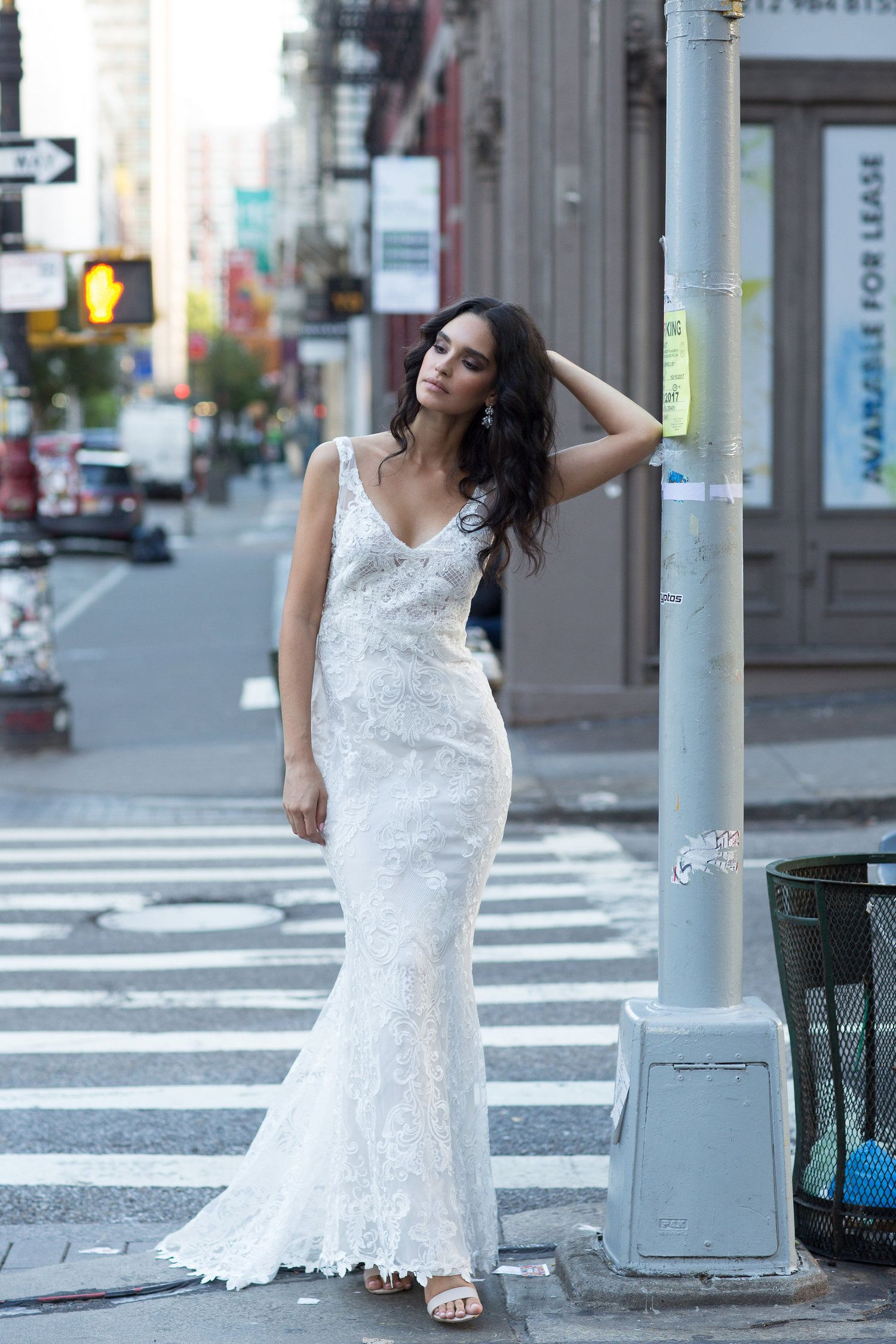 Anna Campbell Bridal Harlow Dress | Modern lace wedding gown ...