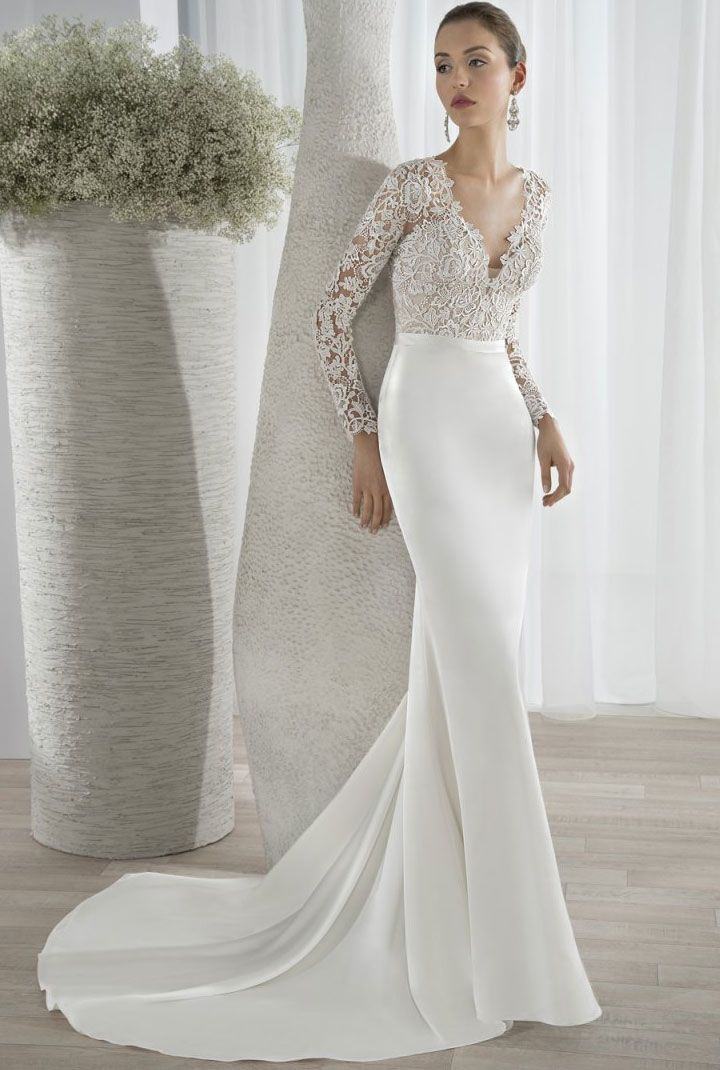 Demetrios Wedding Dresses 2017 { long sleeved wedding dress } itakeyou.co.uk #weddingdress #weddinggown #bridalgown #bridaldress