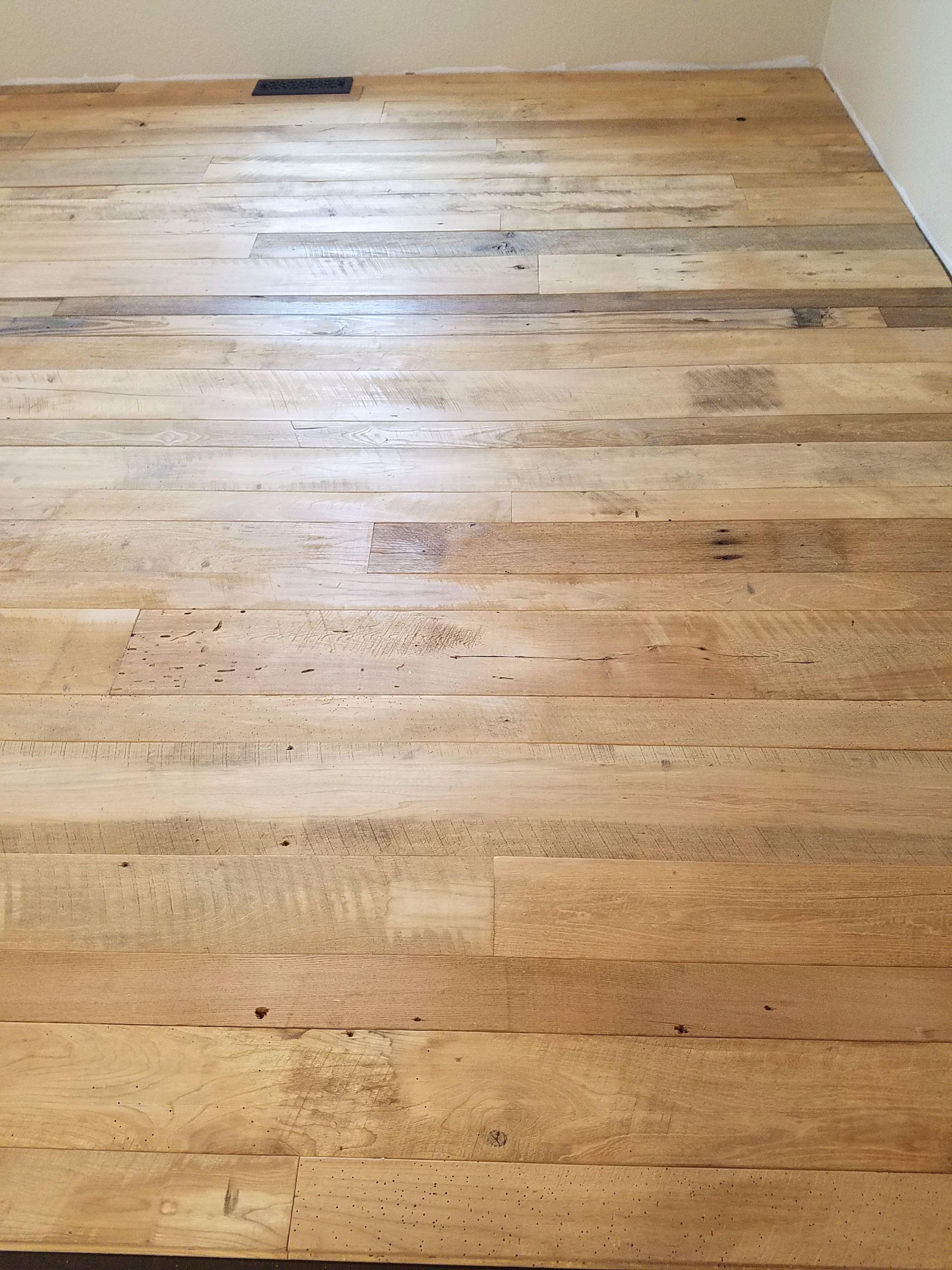 Barn Wood Flooring Barnwood Floors Barn Wood Hardwood
