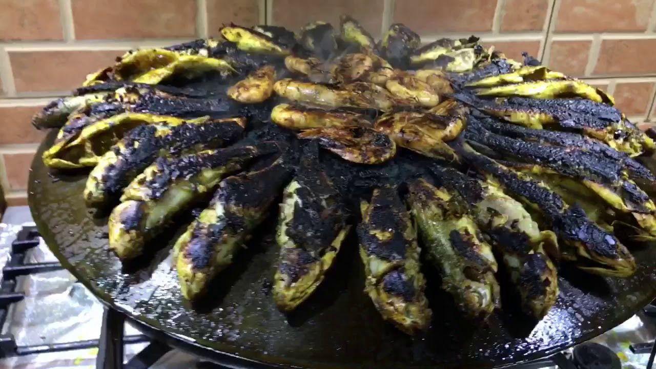 اسامه القصار طريقة تحضير السمك المشوي والربيان على الصاج تحضير سمك الميد المشوي على التاوه Youtube Food Yummy Vegetables