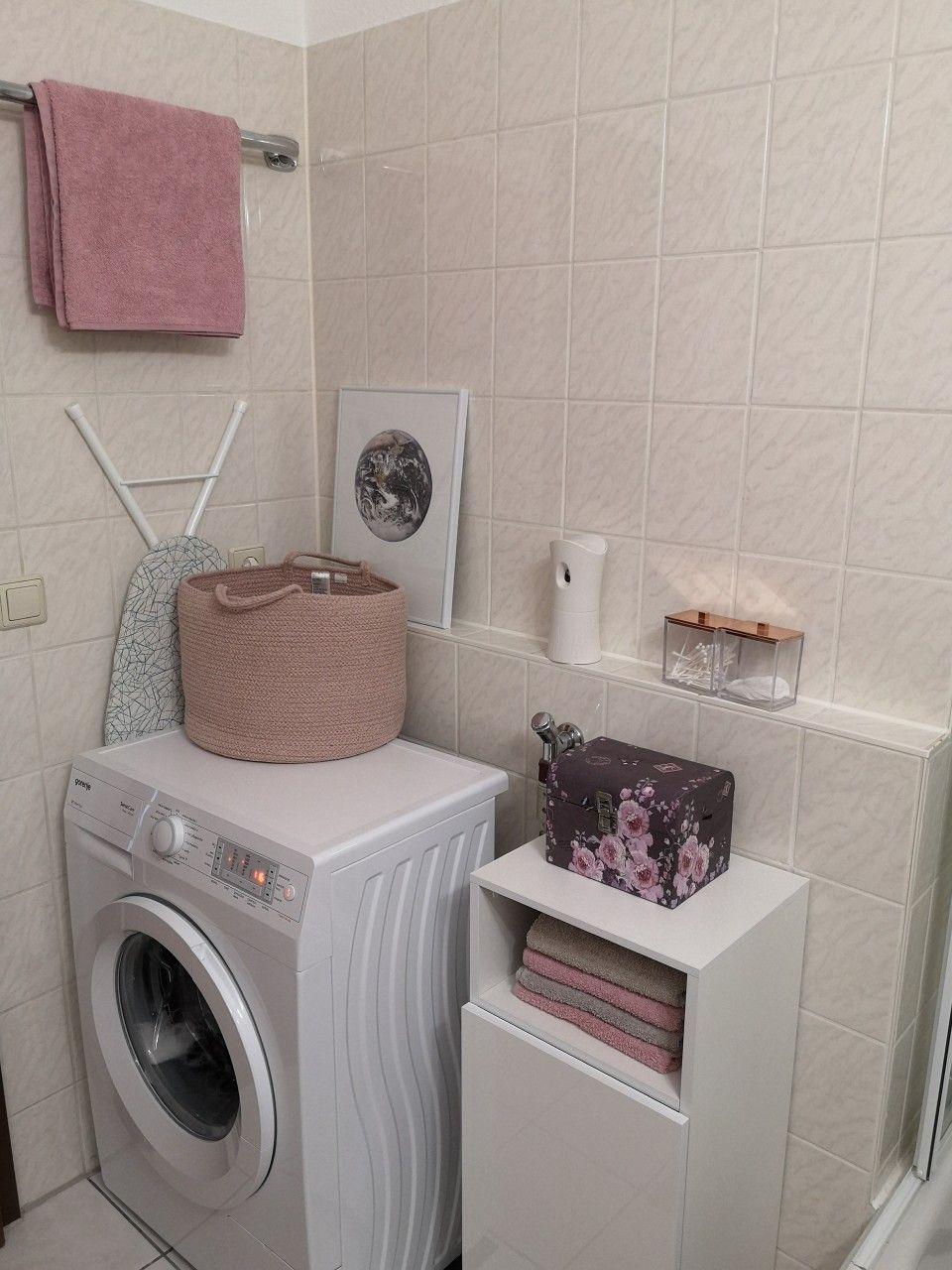 Einzimmerwohnung Einrichten Badezimmer Rosa Slimwaschmaschine Kupfer Desenio In 2020 Einzimmerwohnung Badezimmer Wohnung