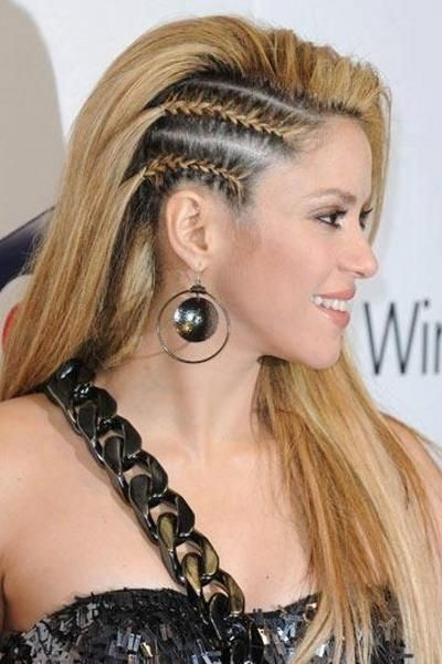 Shakira Trenzas Laterales Coiffure Tresse Afro Cheveux Coiffure Tresses Africaines