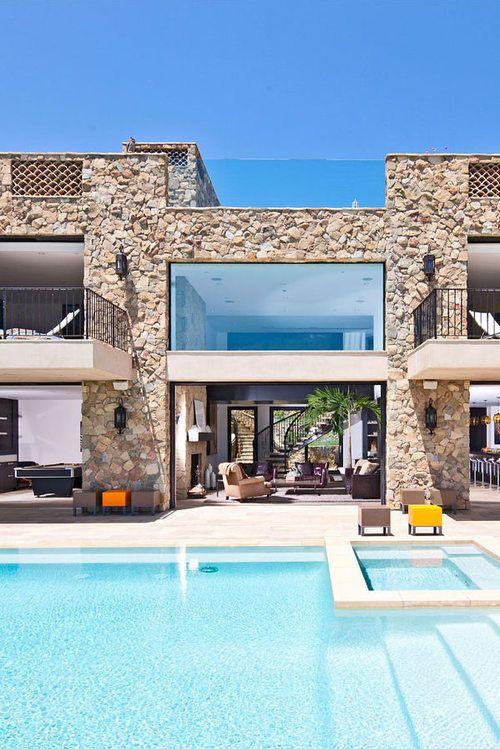pin von vogue heart auf exterior pinterest steinmauer moderne h user und architektur. Black Bedroom Furniture Sets. Home Design Ideas