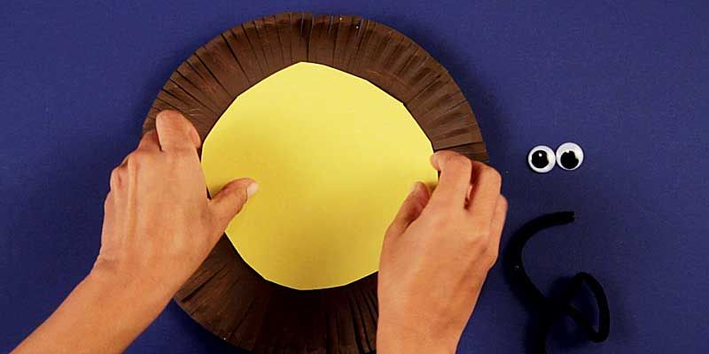 decorating lion paper plate craft & decorating lion paper plate craft | Prayer | Pinterest | Paper plate ...