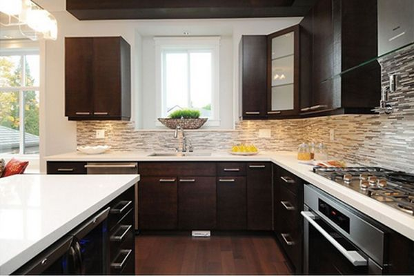 22 Beautiful Kitchen Colors with Dark Cabinets - Kitchen backsplash designs, Kitchen design, Contemporary kitchen backsplash, Contemporary kitchen, Backsplash with dark cabinets, Kitchen remodel - Kitchen is one of the spaces in the house where you can actually release stress through cooking or preparing desserts! For chefs or other people who loves