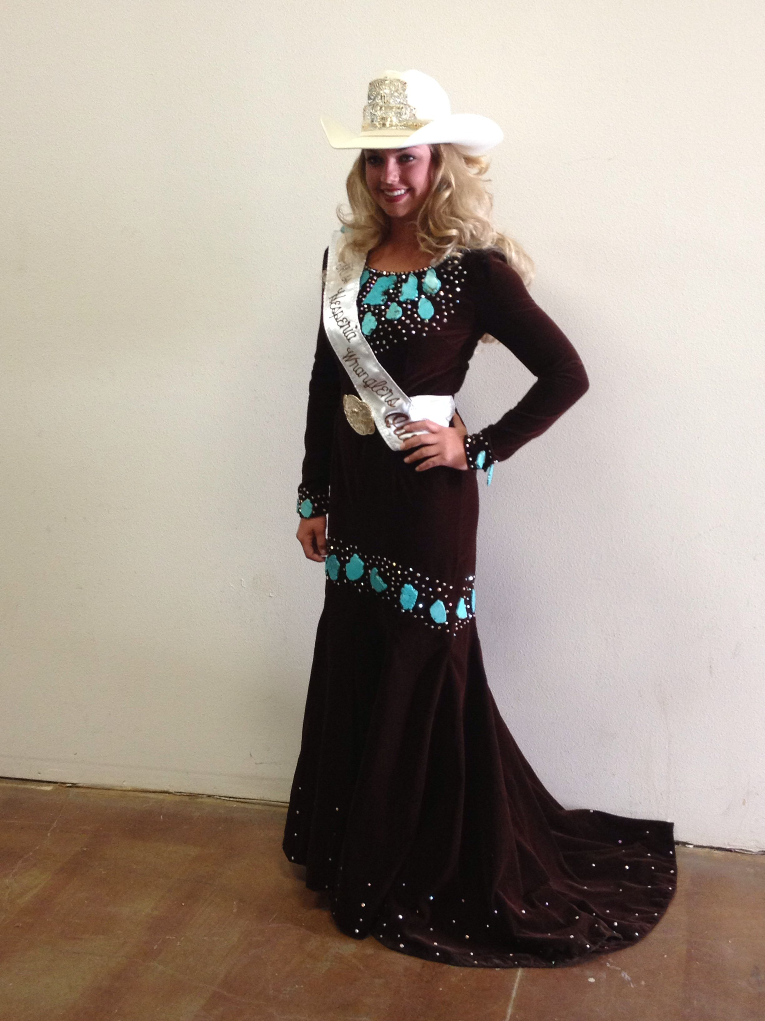 Brown Velvet Dress With Turquoise Colored Howlite Stones How Bout Them Cows Queen Outfit