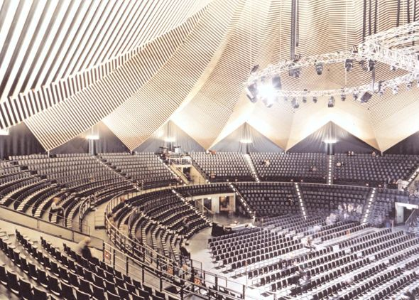 Love the shape of the inside of this building. Tempodrom, Berlin ...