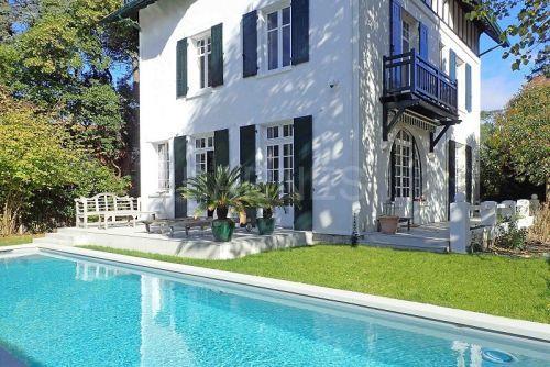 Biarritz Parc D Hiver A Vendre Belle Maison 1930 Au Barnes Achat Immobilier Maison Basque Belle Maison Maison
