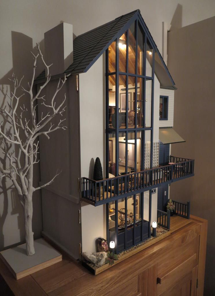 Lakeview house dolls house emporium by mike adamson for Big modern dollhouse