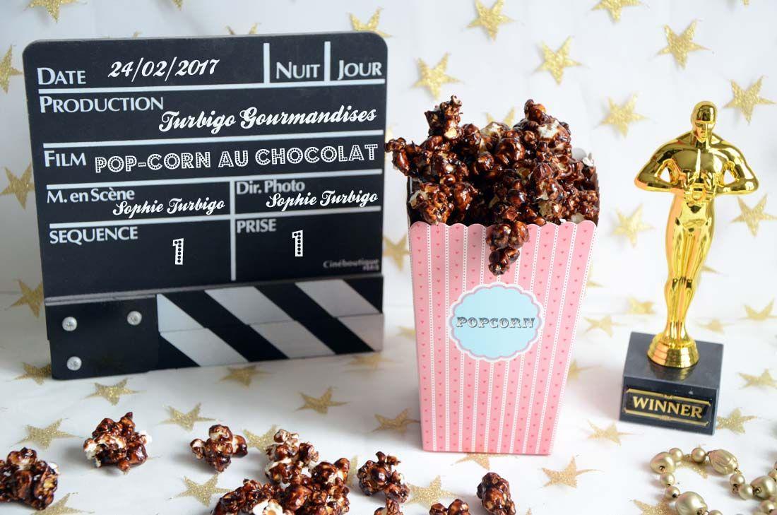 Pour se régaler pendant une séance ciné à la maison, quoi de mieux que du Pop-corn chocolat éclats de noisettes ? Une version améliorée de la confiserie !