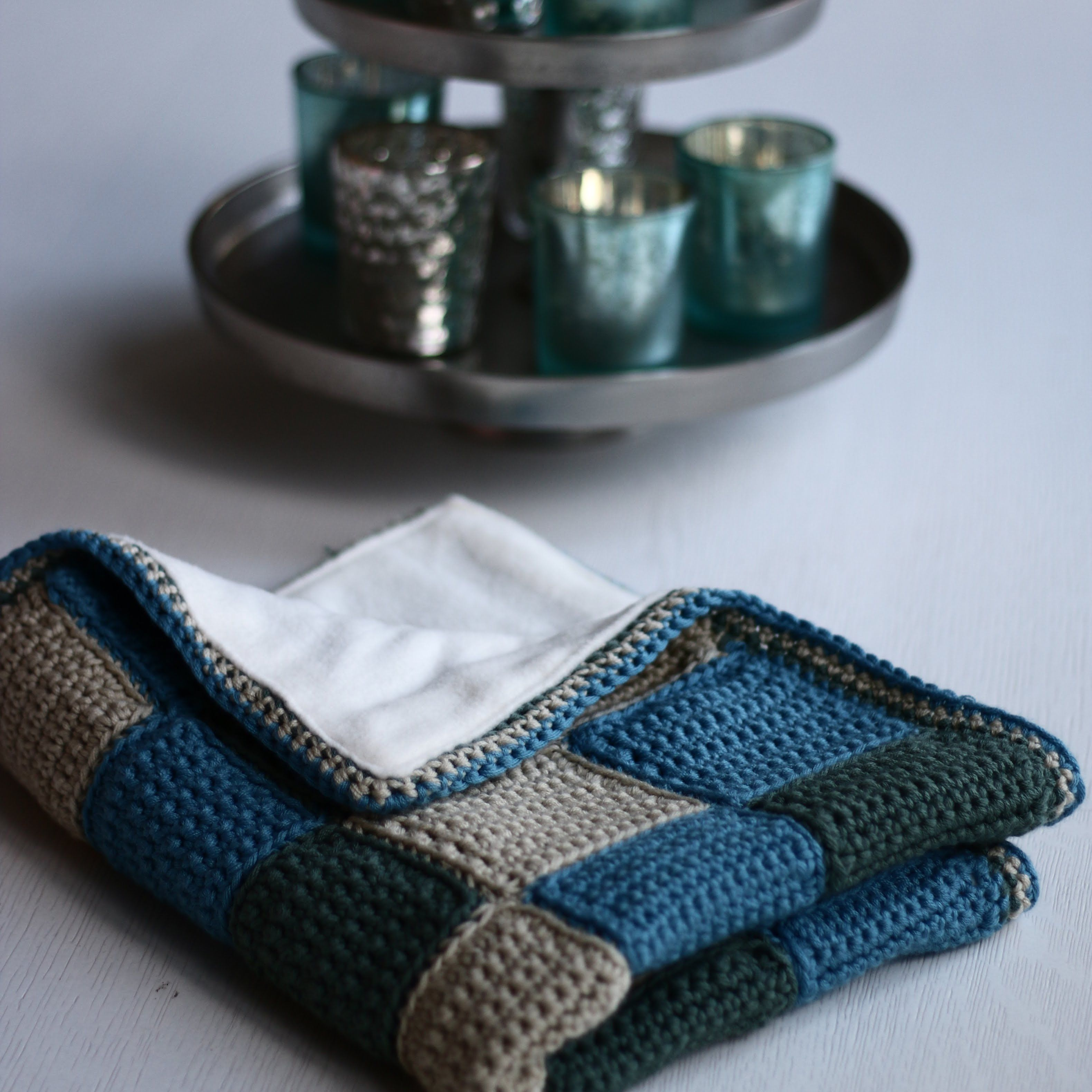 Baby Blanket Tutorial Part 1: Making Single Crochet Squares and ...