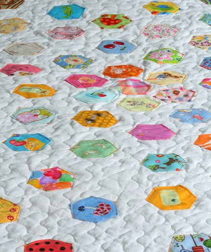 """Hexagon """"I Spy"""" quilt - cute for child's quilt"""