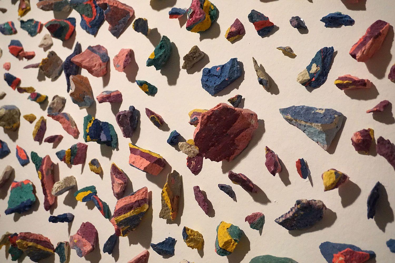 """""""Piedras (Por debajo del tiempo)."""" Iñaki Chavarri en la #Exposición """"Aire y Tiempo. La danza de la multiplicidades"""" #SalaAmadís #Madrid #Arte #Art #ContemporaryArt #ArteContemporáneo #Arterecord 2016 https://twitter.com/arterecord"""