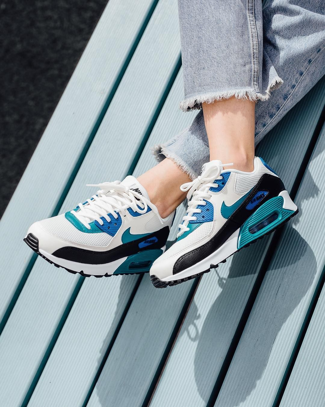 Ew Arrival Nike Wmns Air Max 90 Sail Radiant Emerald Black Blue Nebula Available Online And In Store Titoloshop B Sneakers Nike Air Max Nike Air Max 90
