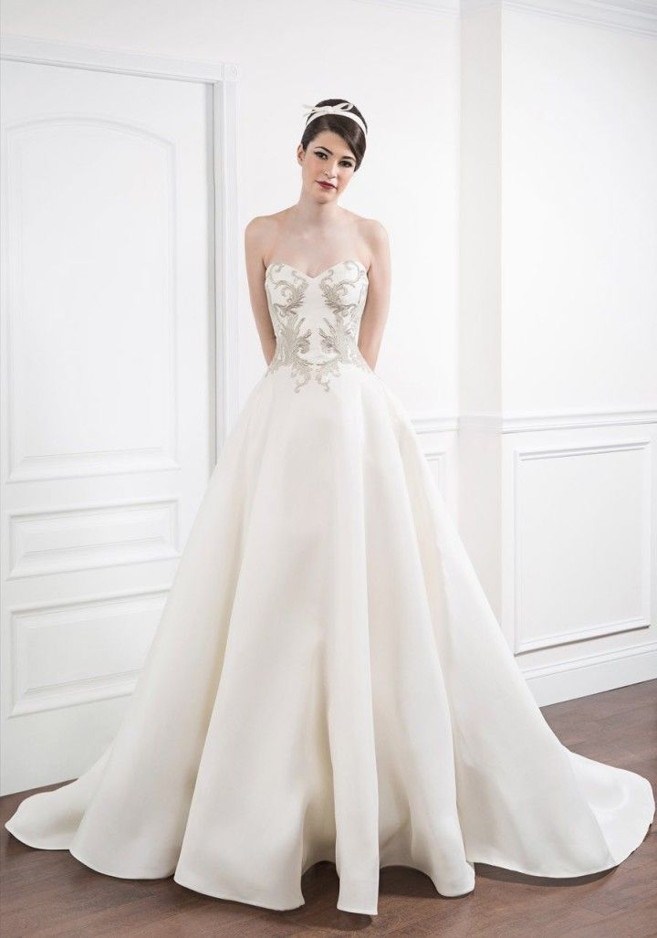 Wedding Dresses For The Bridal Runway Trend