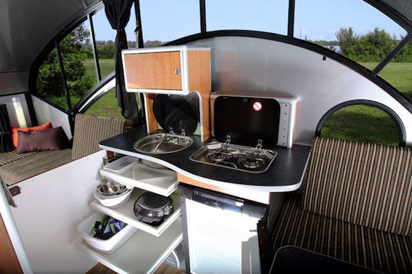 alto safari condo is a high tech and lightweight teardrop trailer teardrop trailer rv campers. Black Bedroom Furniture Sets. Home Design Ideas