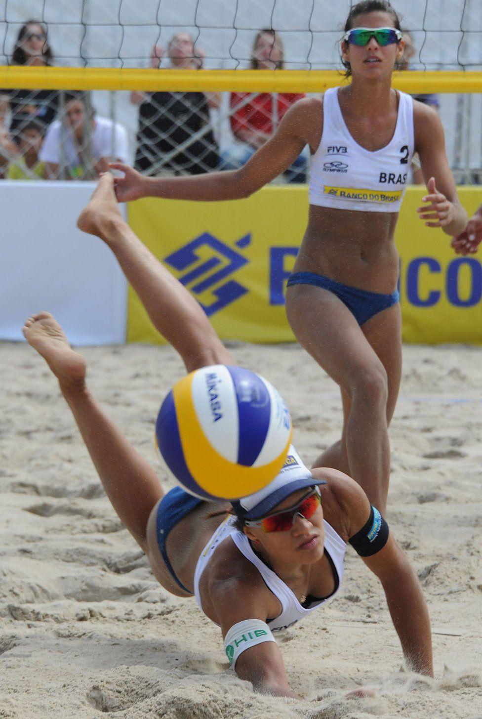 Voley playa en Copacabana   Voleibol Femenino   Pinterest   Volleyball