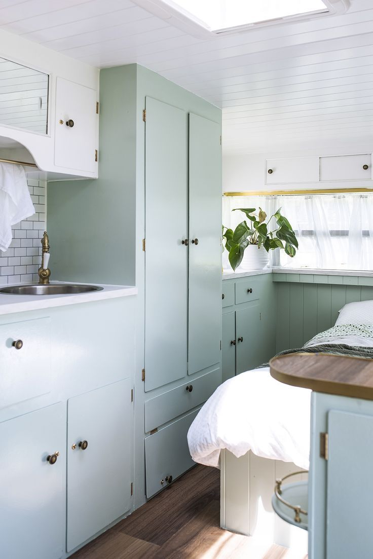 Vintage van renovation 2.0; Meet Vonnie | Camper renovation, Camper ...