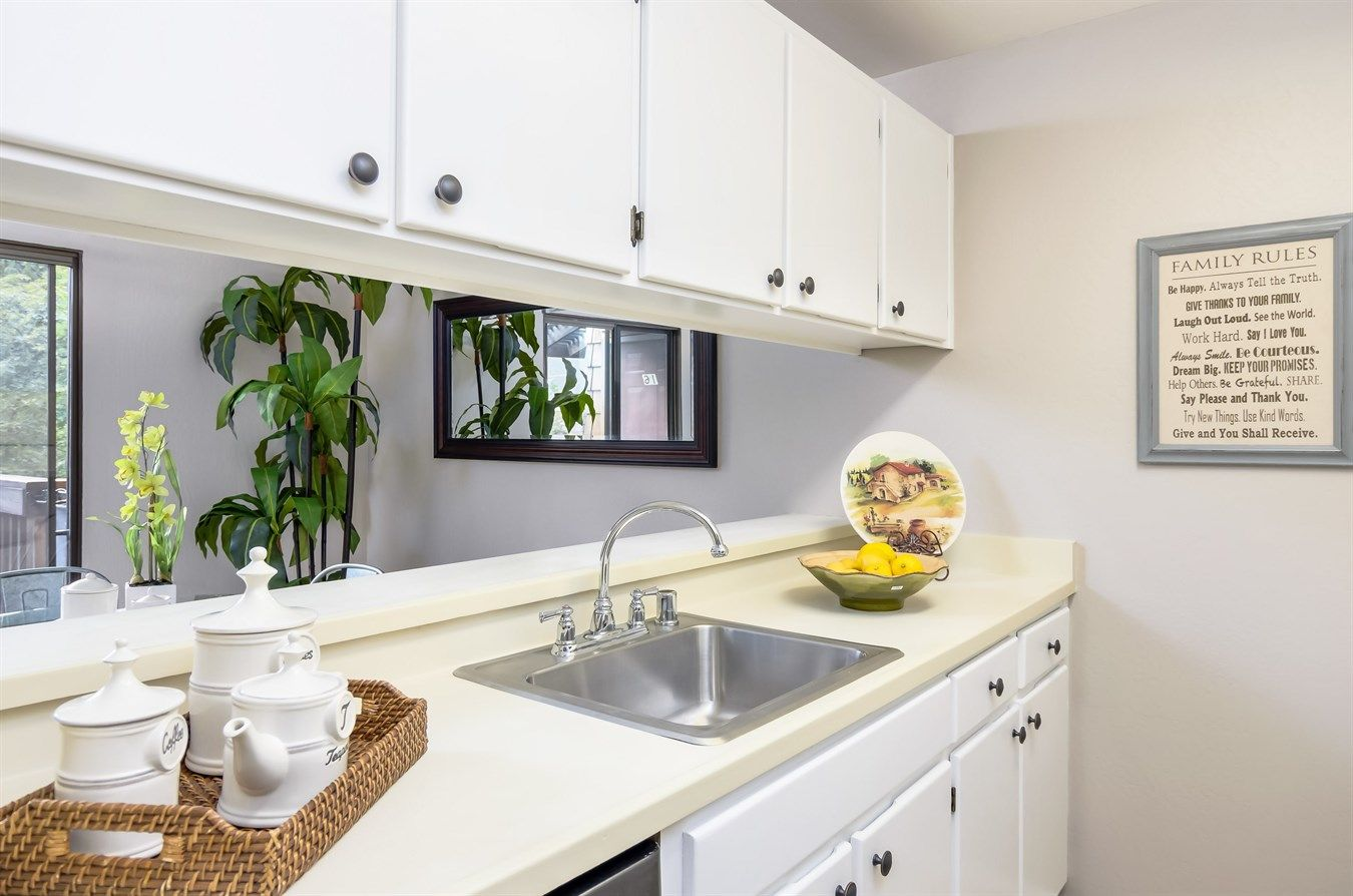 Custom Cabinetry From Contra Costa County Ca Cabinet Companies Kitchen Inspirations Kitchen Design Kitchen Flooring